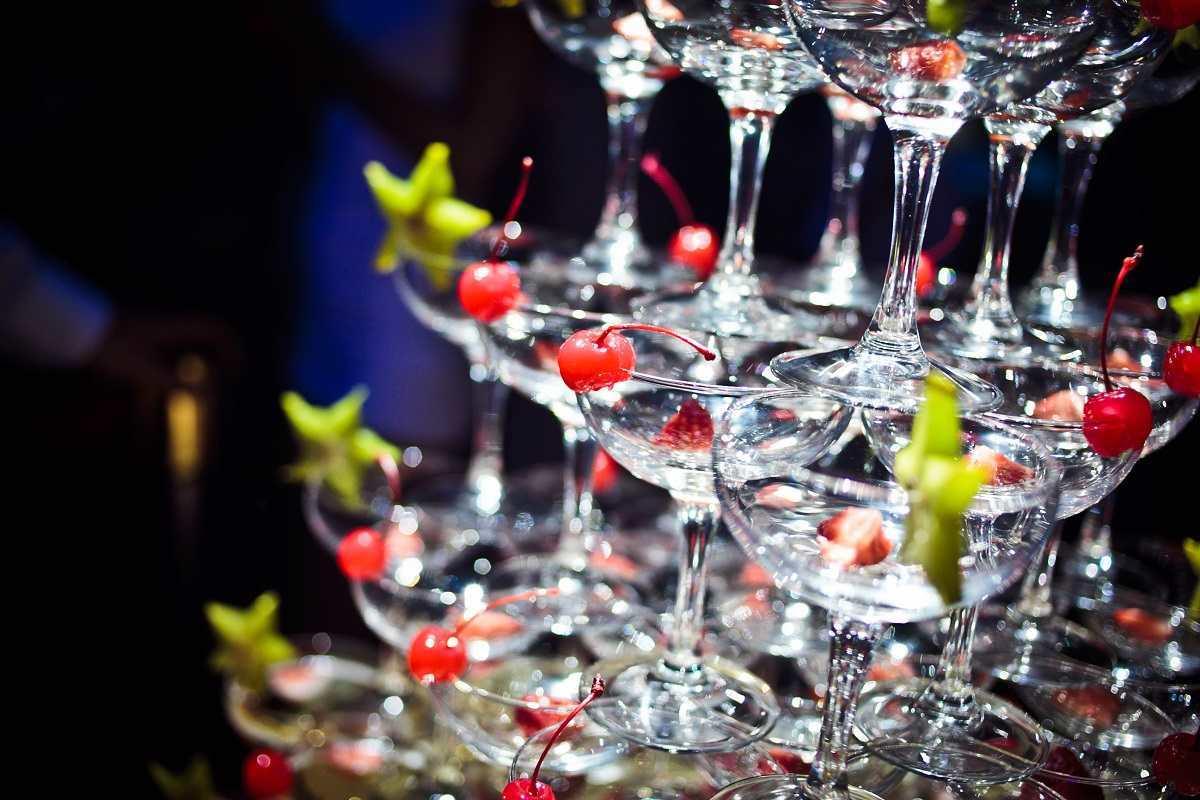 Горка шампанского 120